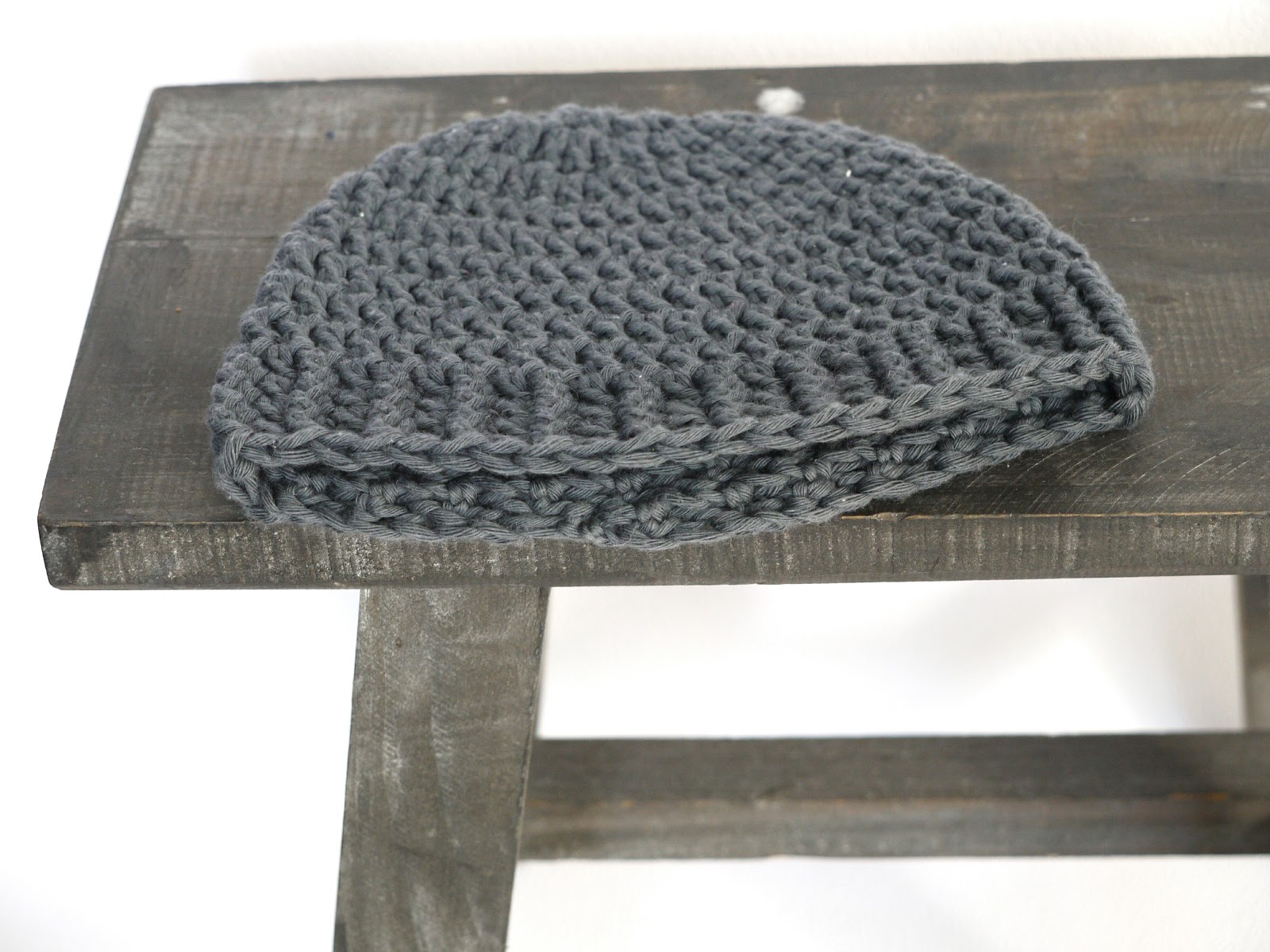 079e5000f5b Crocheted Baby Beanie with pattern - Zusje Knus